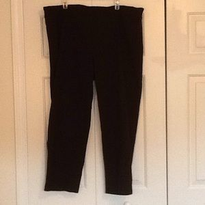 Pull on black ankle pants